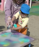 スプレーアート体験イベント(たつの市立龍野保育所)の画像